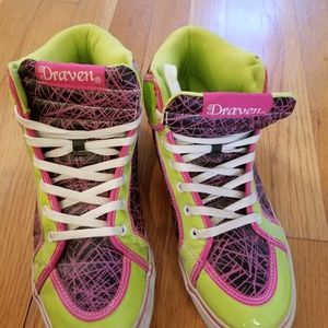 d4ae556c597 ... Draven High Top Green and Pink Skate Shoes ...